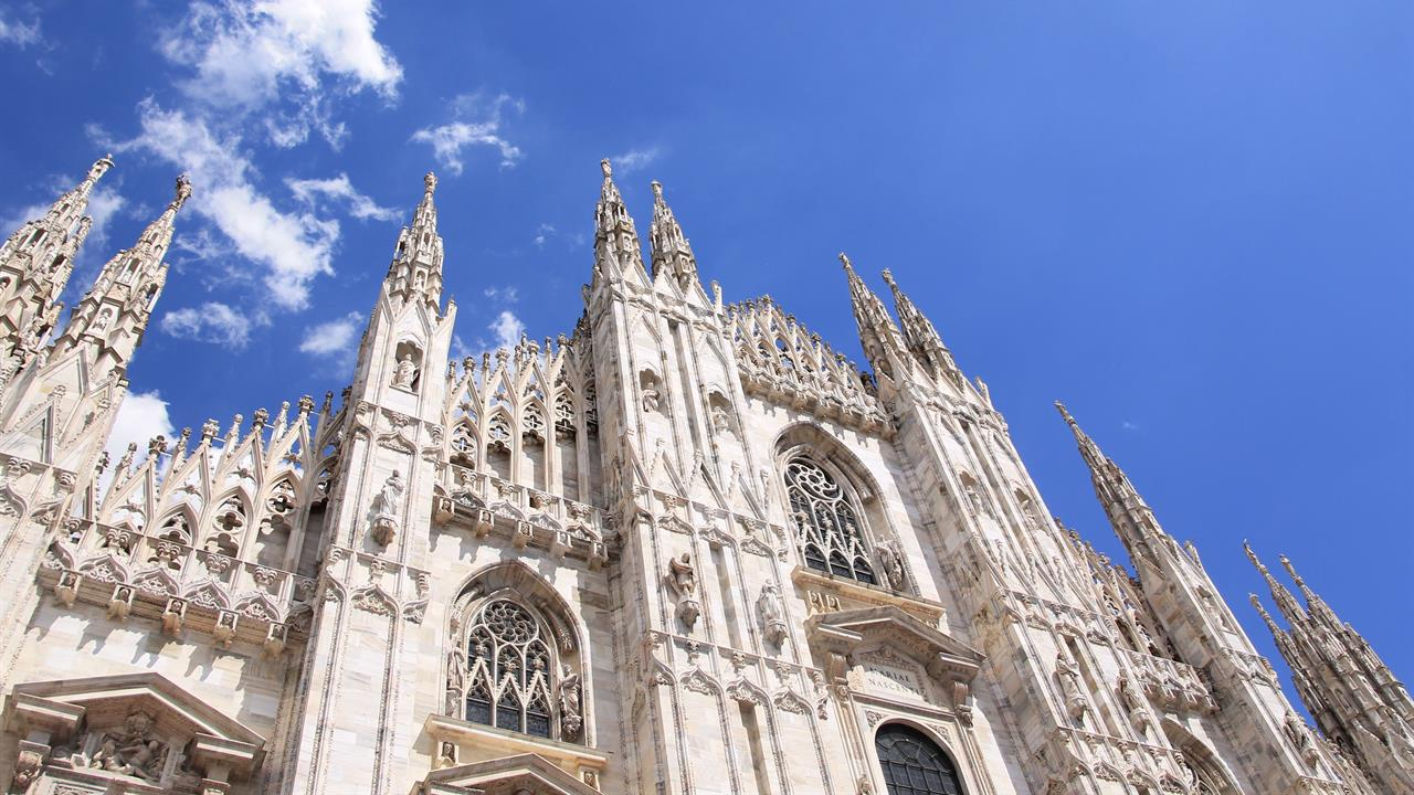 "duomo di milano Milan's most famous landmark by a long shot, the duomo is one of those rare structures that can accurately be described as ""awe-inspiring"" a jaunt inside the 1."