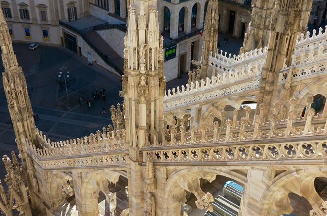 Guided tour: Duomo tour with Rooftops