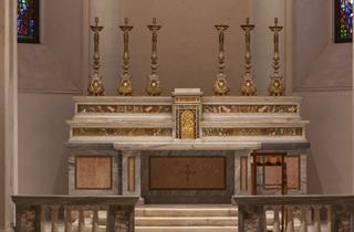 Altare della Chiesa di San Gottardo in Corte