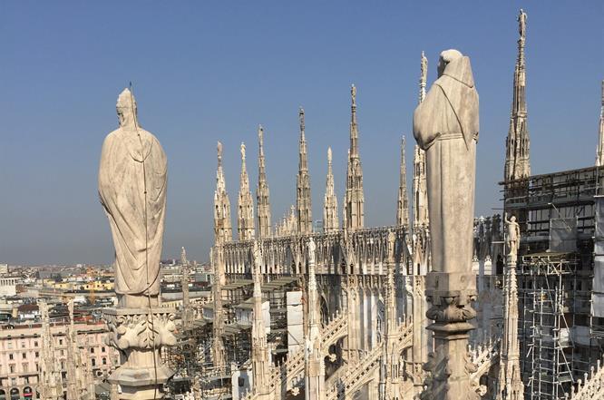 Terrazze del Duomo di Milano con ponteggi