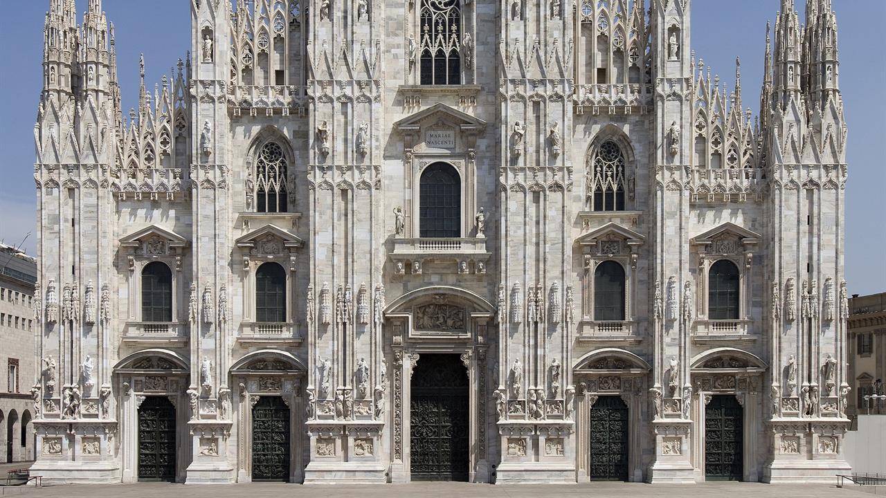 The Duomo, the Minerbi door and family affairs - Adotta una Guglia ...
