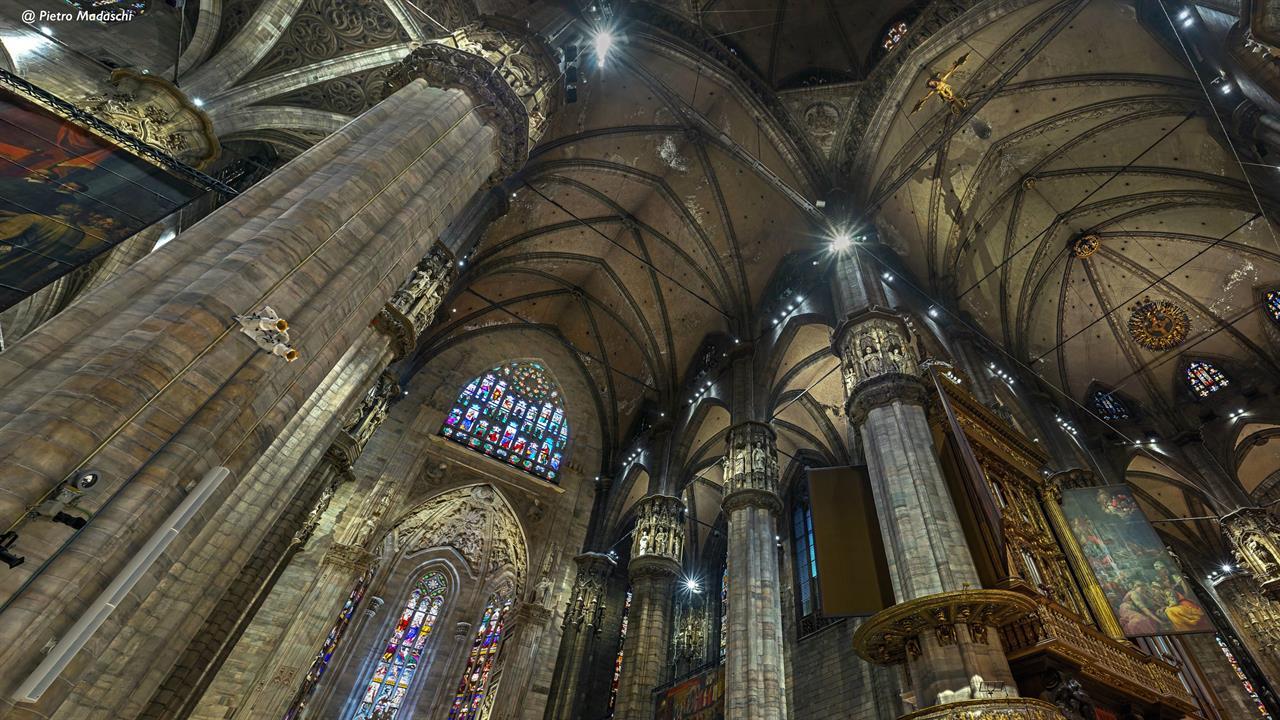 Veduta In Corrispondenza Dell'altare Della Madonna Dell'albero, Illuminato Dal Nuovo Impianto Luci